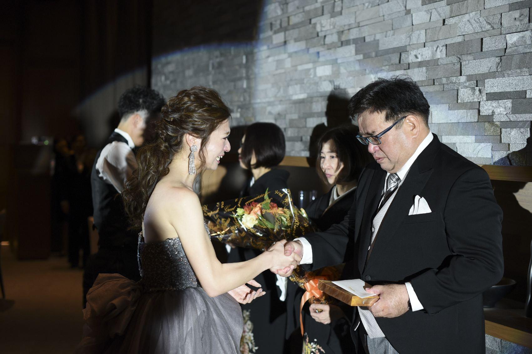 香川県高松市の結婚式場アナザースタイルの親族への贈り物