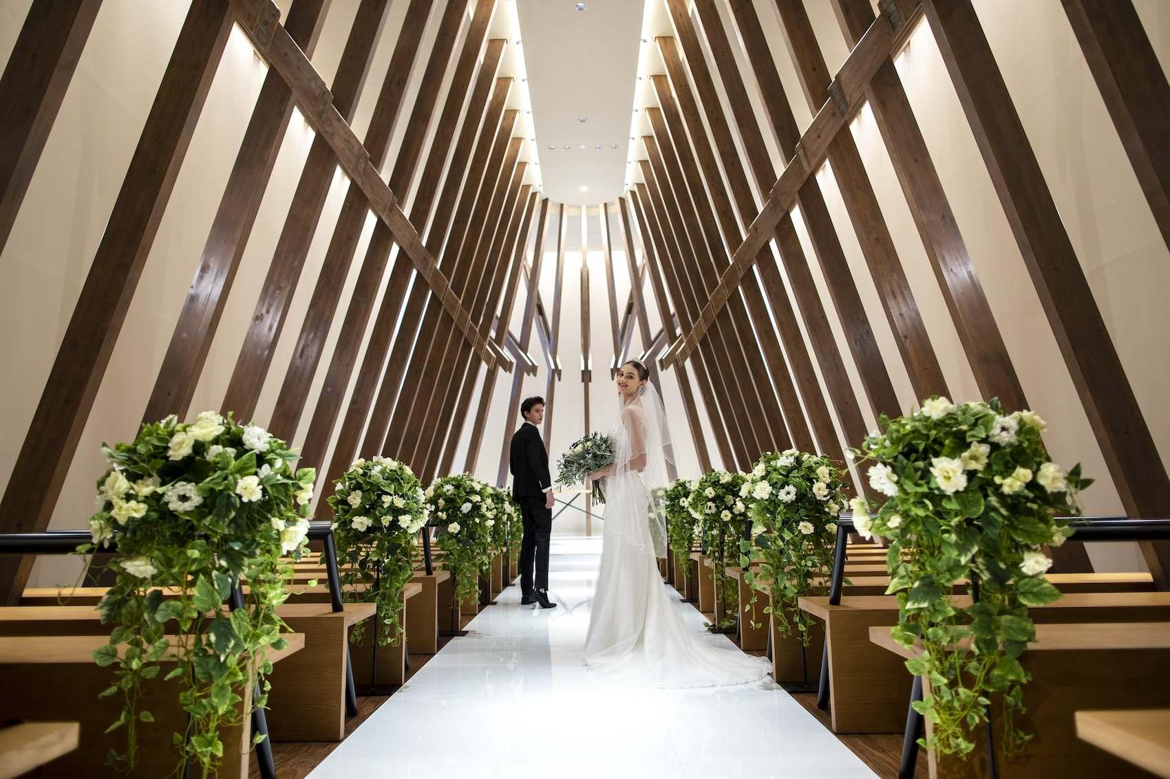 香川県高松市の結婚式場アナザースタイルの森のチャペル