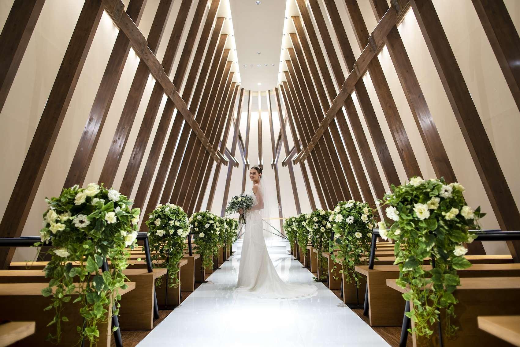 香川県高松市の結婚式場アナザースタイルの神聖なチャペル