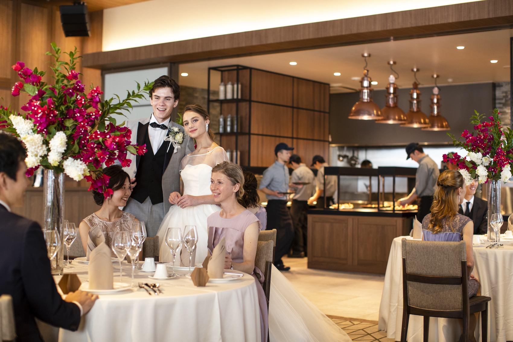 香川県高松市の結婚式場アナザースタイルのテーブルラウンド