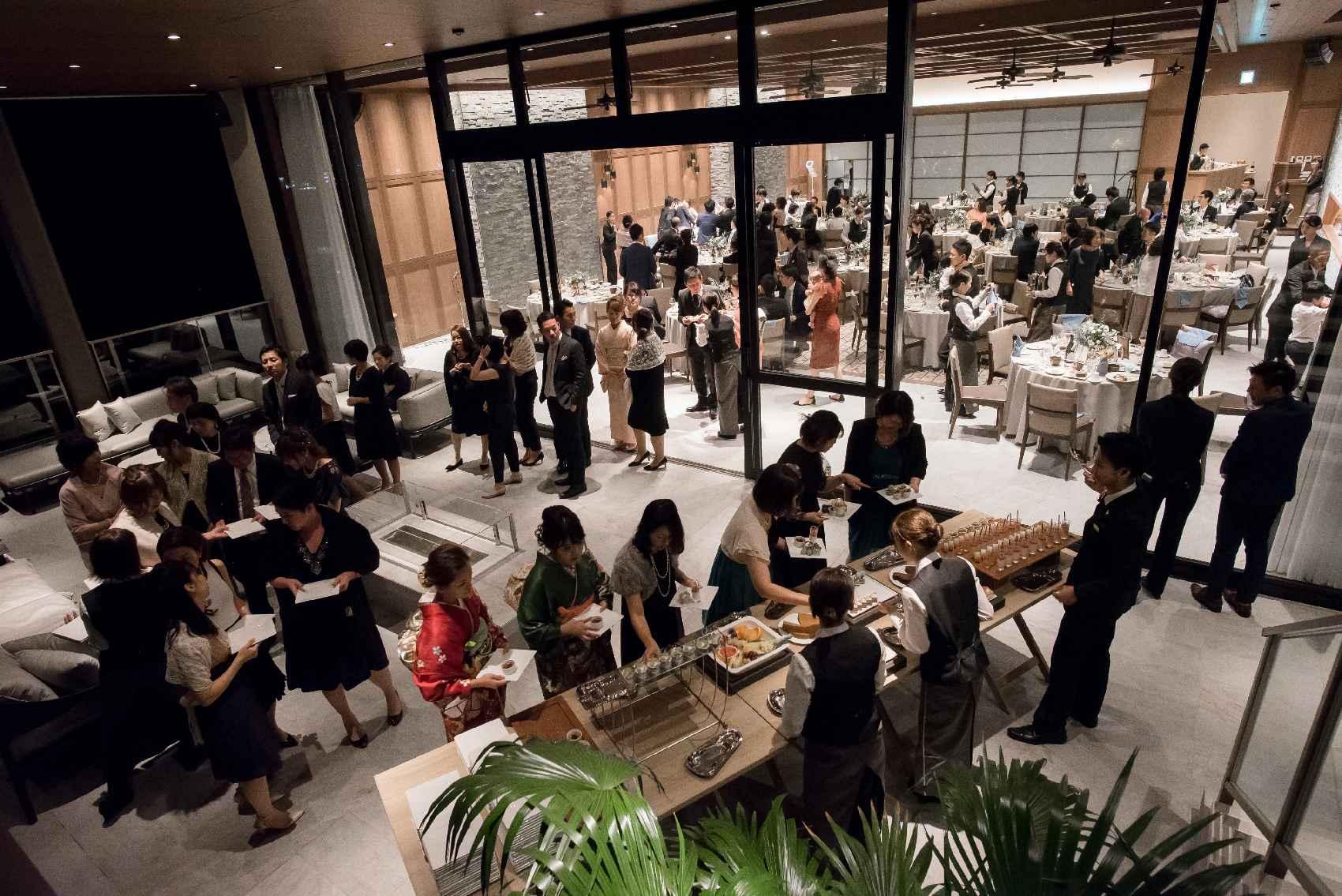 香川県高松市の結婚式場アナザースタイルのテラスでデザートビュッフェ