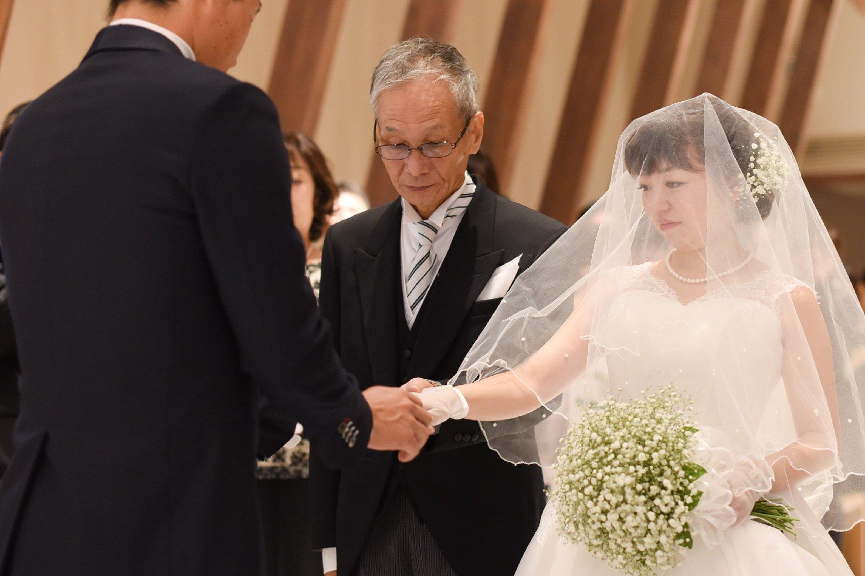 香川県高松市の結婚式場アナザースタイルのチャペルでの挙式
