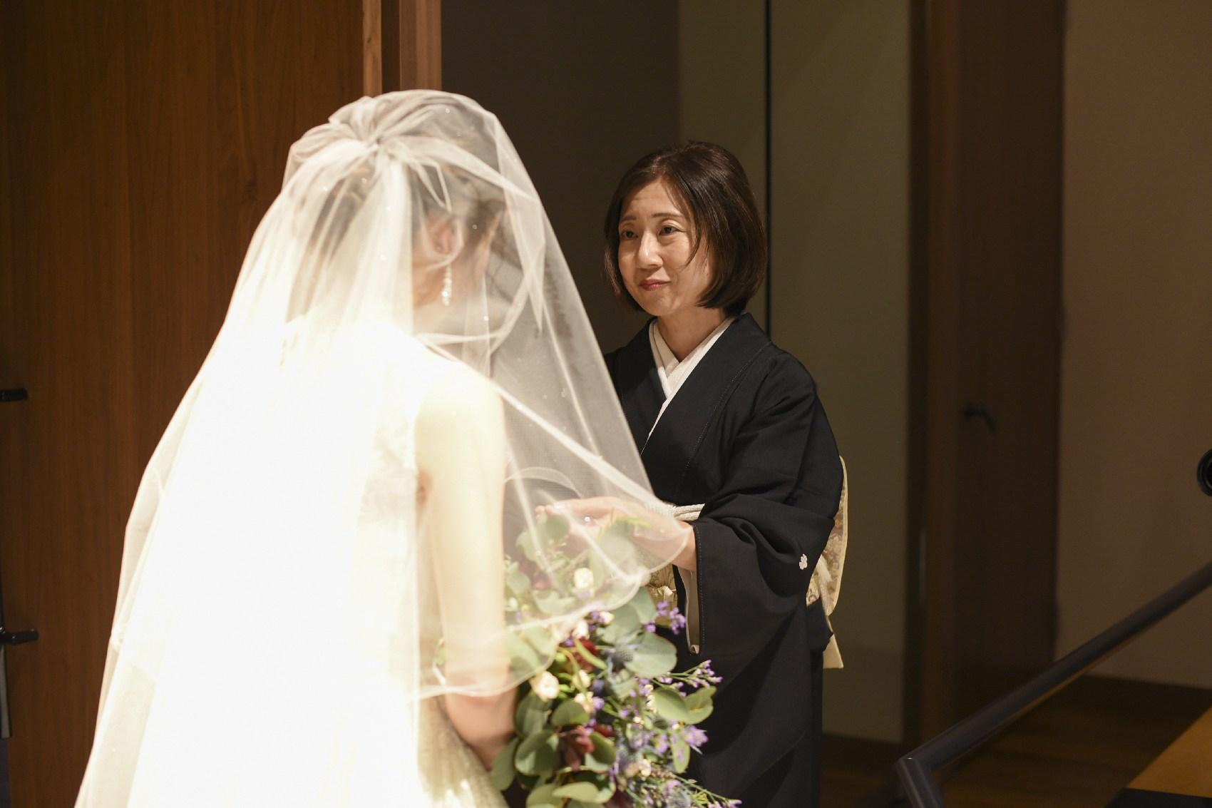 香川県高松市の結婚式場アナザースタイルのチャペル前での演出