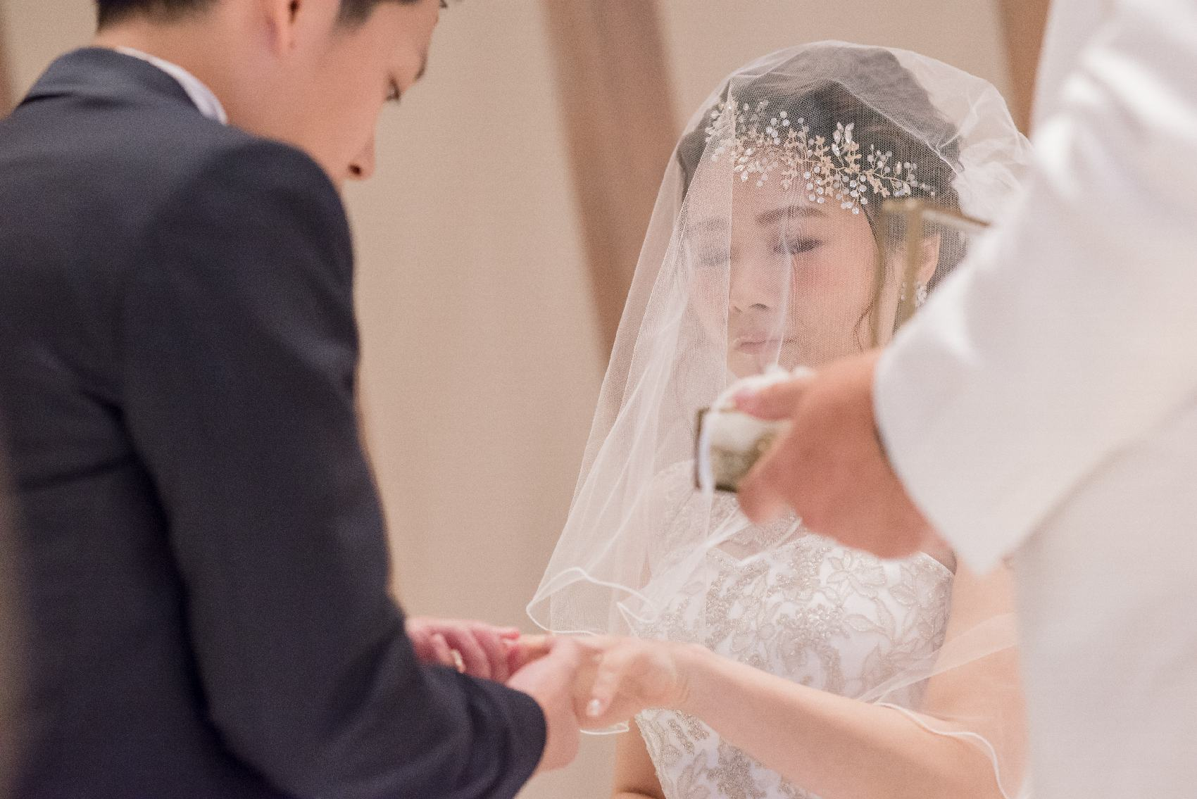 香川県高松市の結婚式場アナザースタイルの挙式の指輪の交換