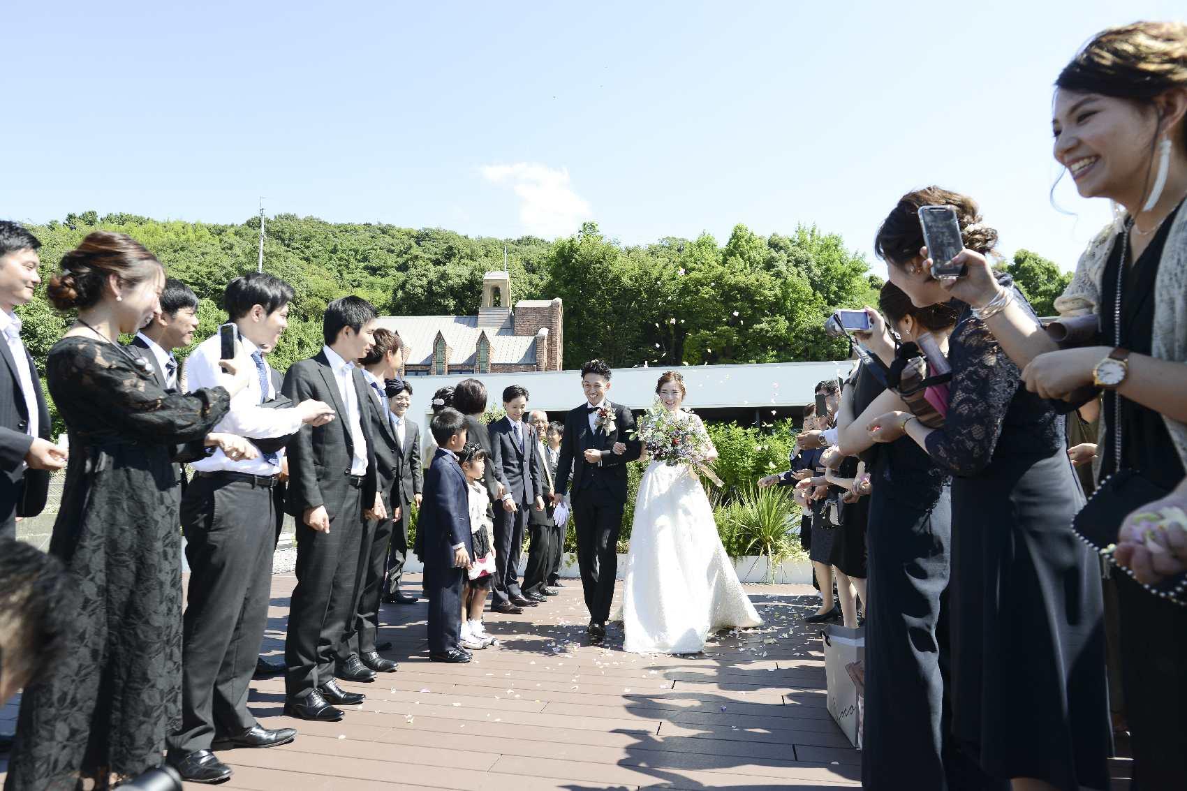 香川県高松市の結婚式場アナザースタイルのテラス入場