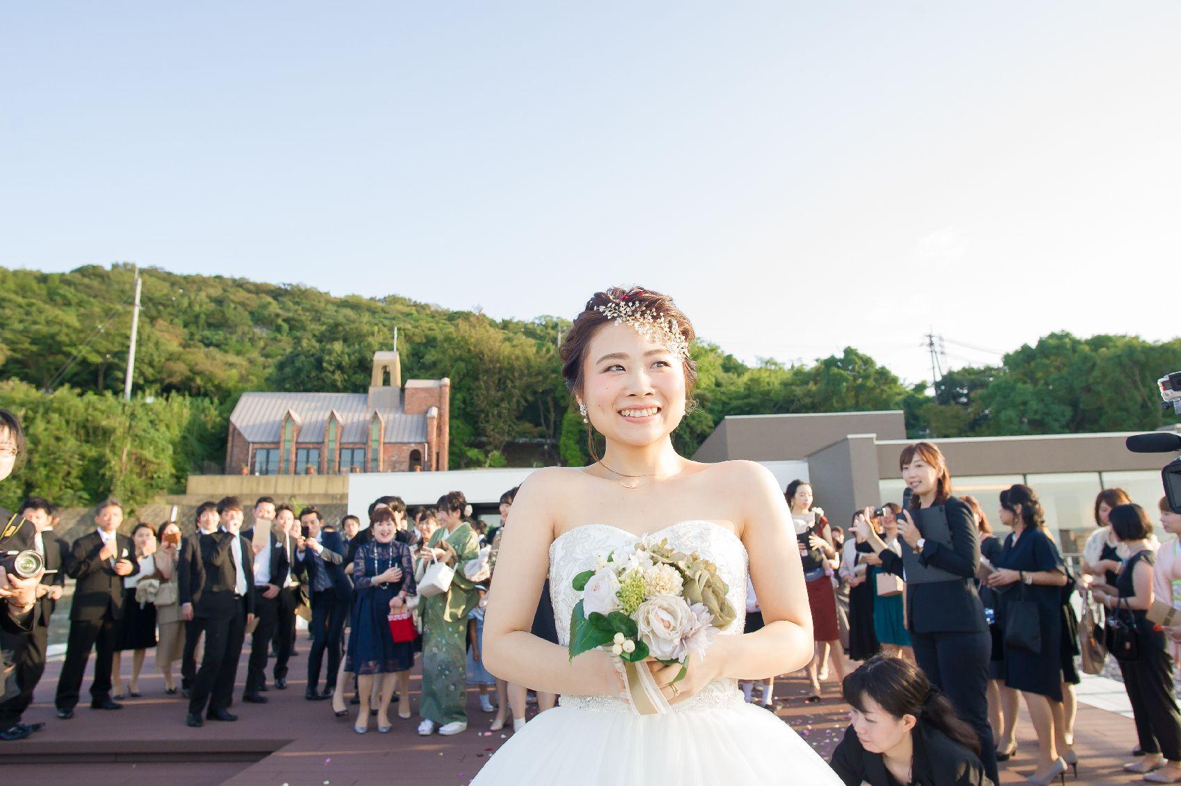 香川県高松市の結婚式場アナザースタイルのブーケトス