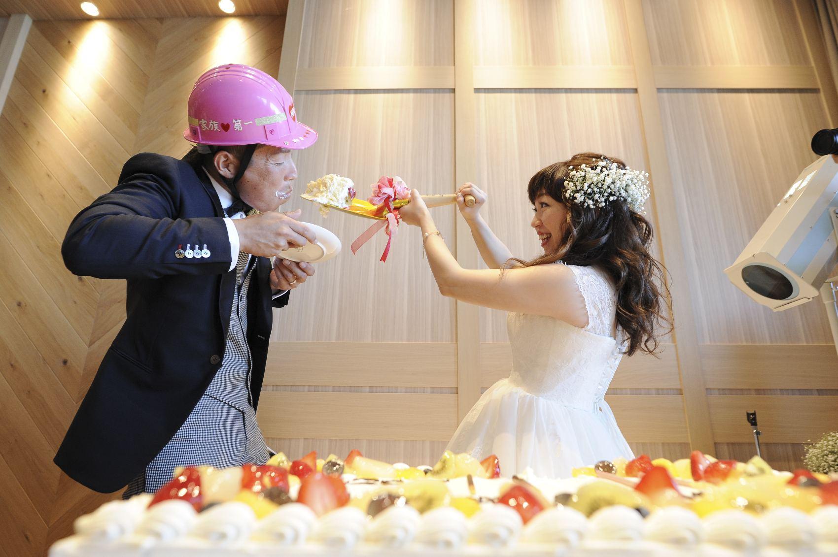 香川県高松市の結婚式場アナザースタイルのファーストバイト演出