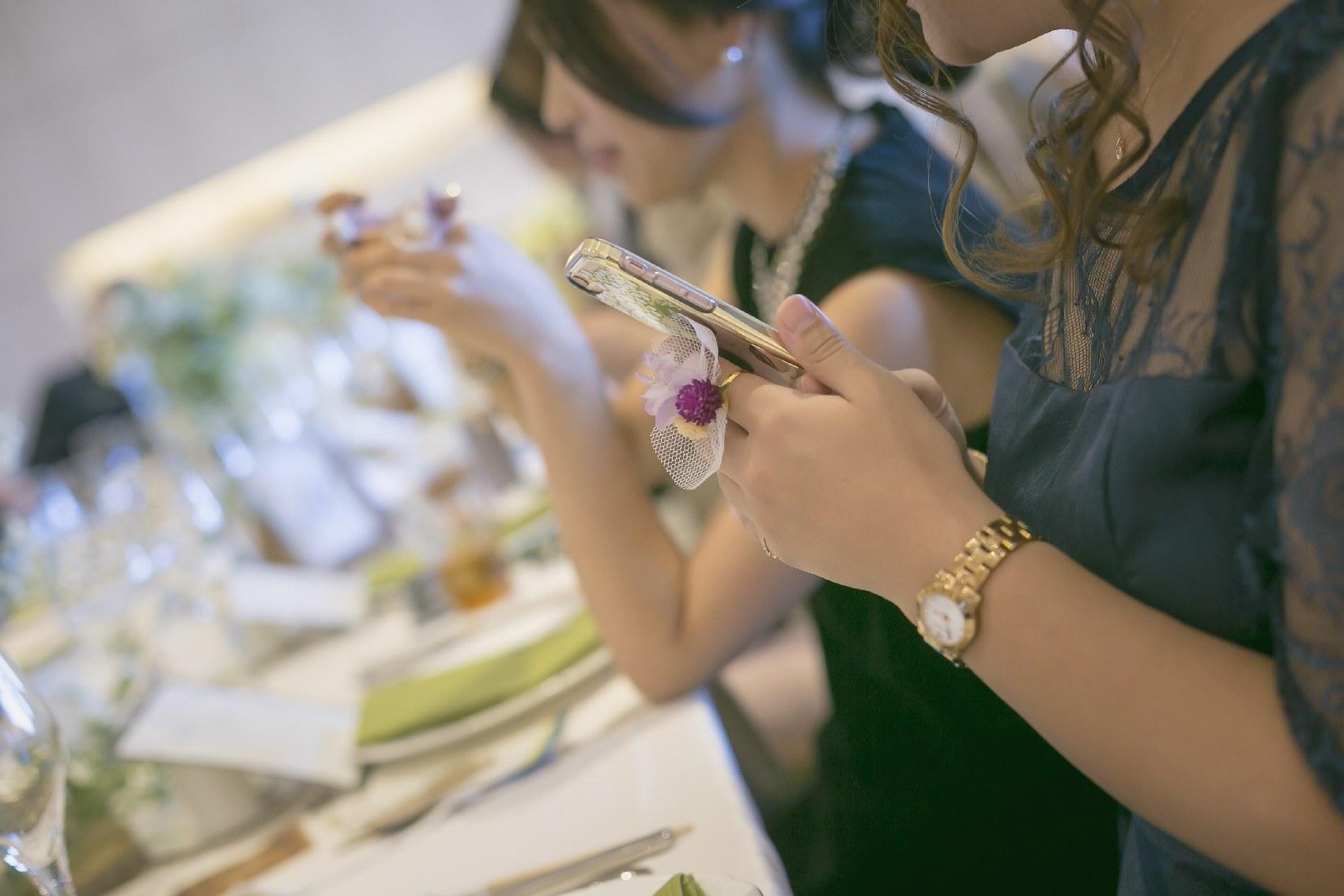 香川県高松市の結婚式場アナザースタイルのゲストに手作りリングをプレゼント