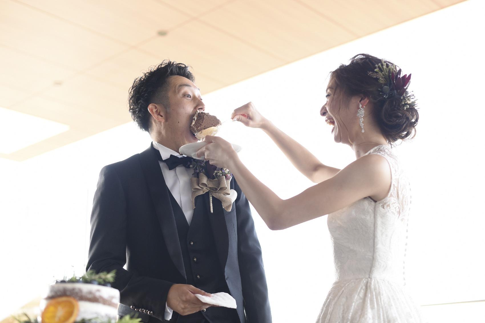 香川県高松市の結婚式場アナザースタイルのウエディングケーキ演出