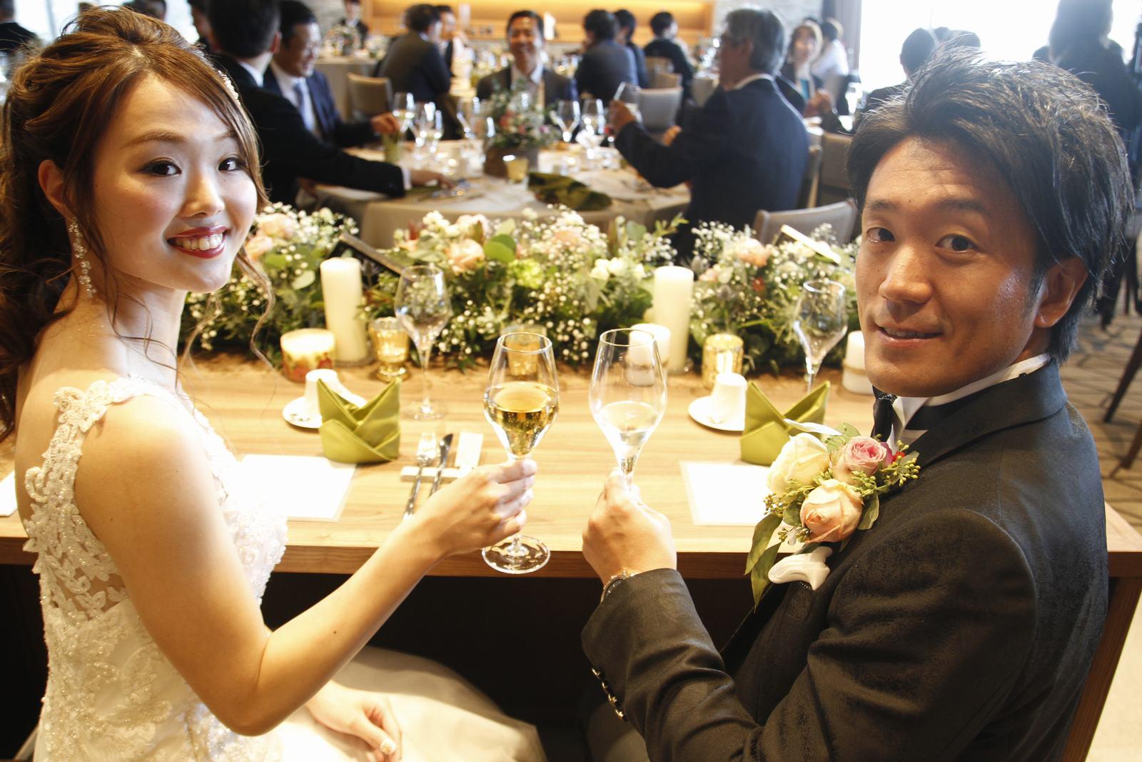 香川県高松市の結婚式場アナザースタイルの高砂ショット