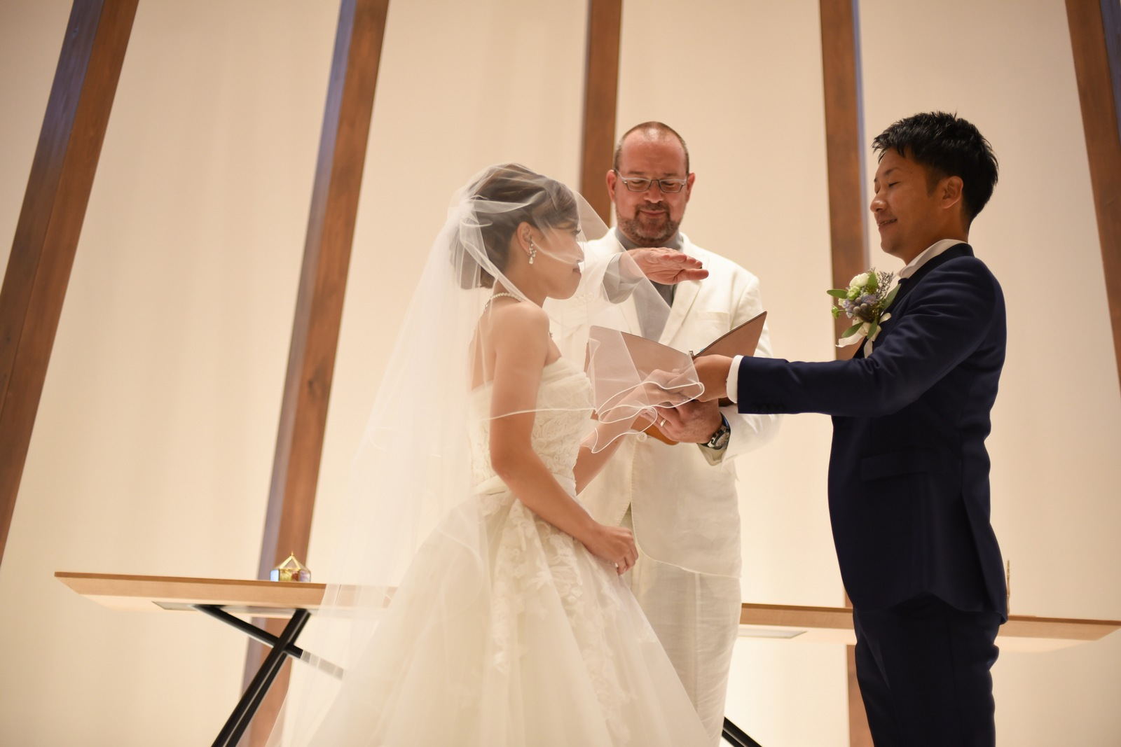 香川県高松市の結婚式場アナザースタイルの指輪の交換
