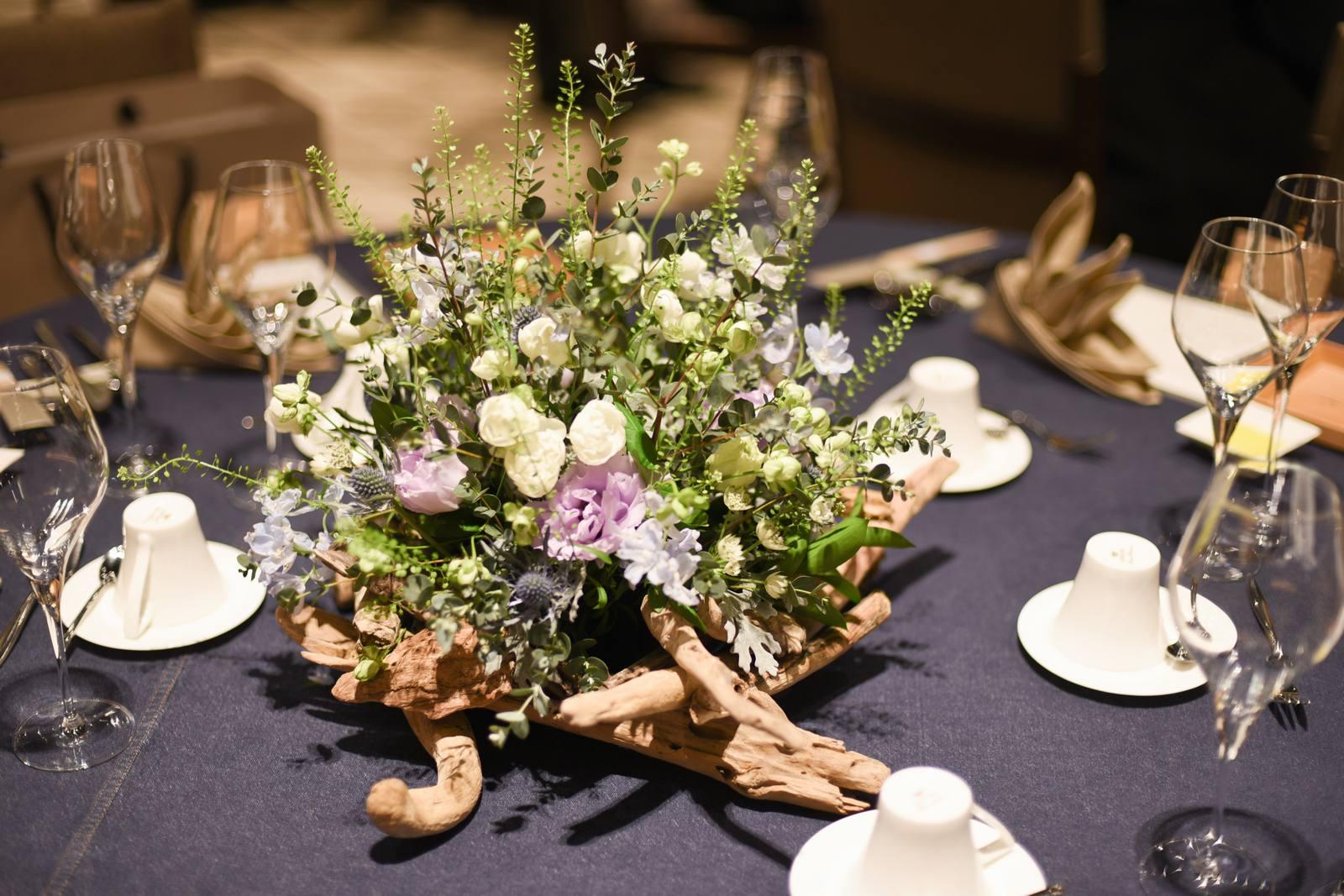香川県高松市の結婚式場アナザースタイルのナチュラルなテーブルコーディネート