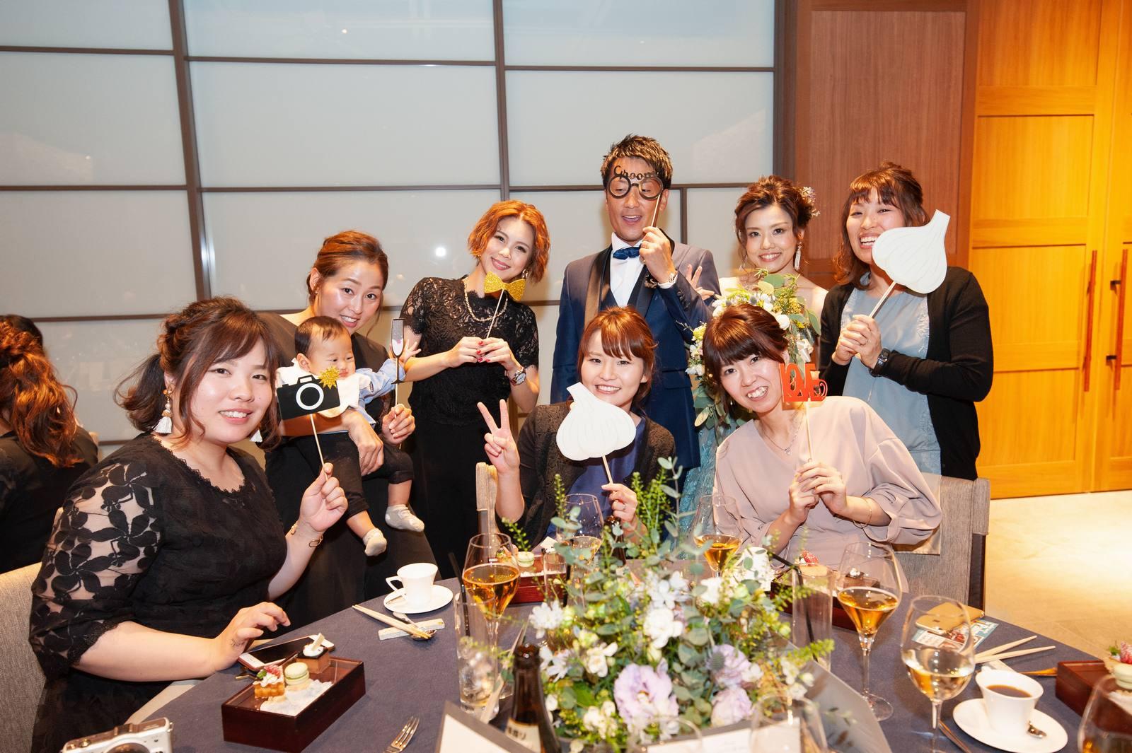 香川県高松市の結婚式場アナザースタイルでテーブルラウンド