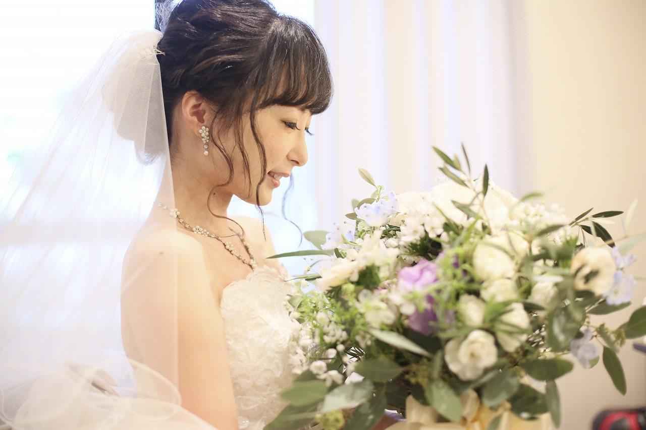 香川県高松市の結婚式場アナザースタイルでファーストミート前のショット