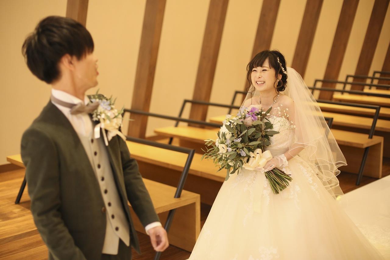 香川県高松市の結婚式場アナザースタイルのチャペルでファーストミート