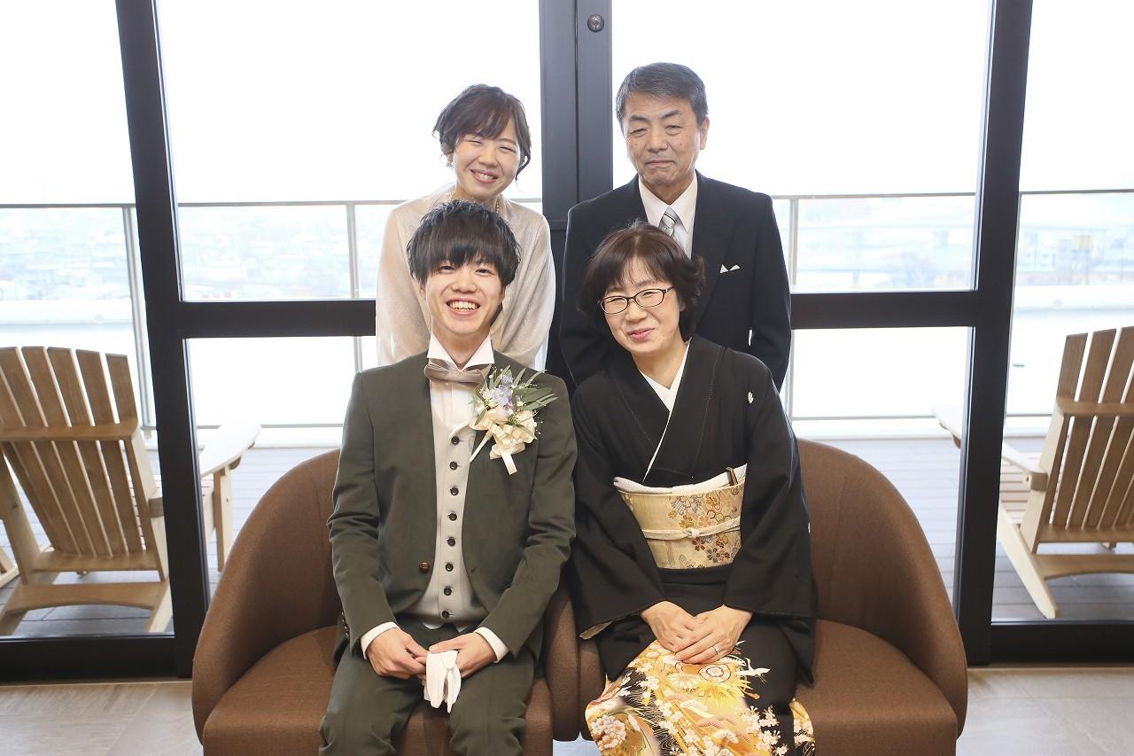 香川県高松市の結婚式場アナザースタイルで家族写真