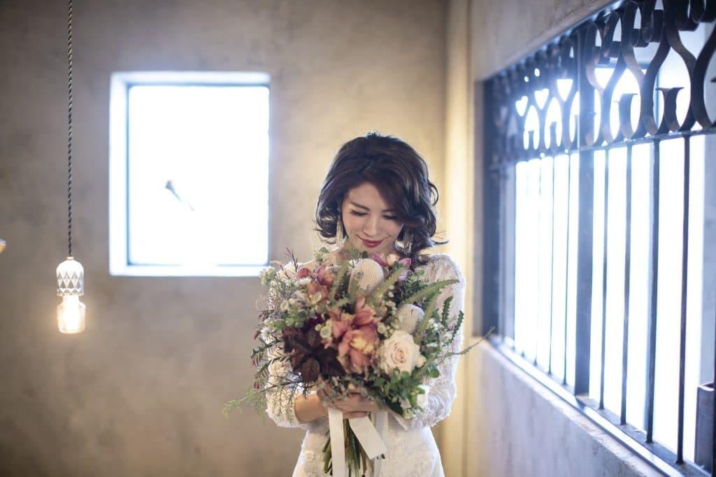 高松市の結婚式場アナザースタイルのドレスプレゼント