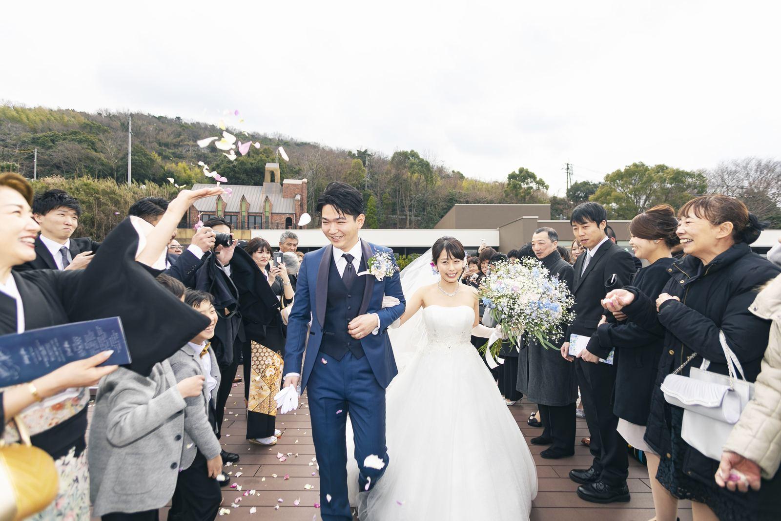 香川県高松市の結婚式場アナザースタイルのテラスでアフターセレモニー
