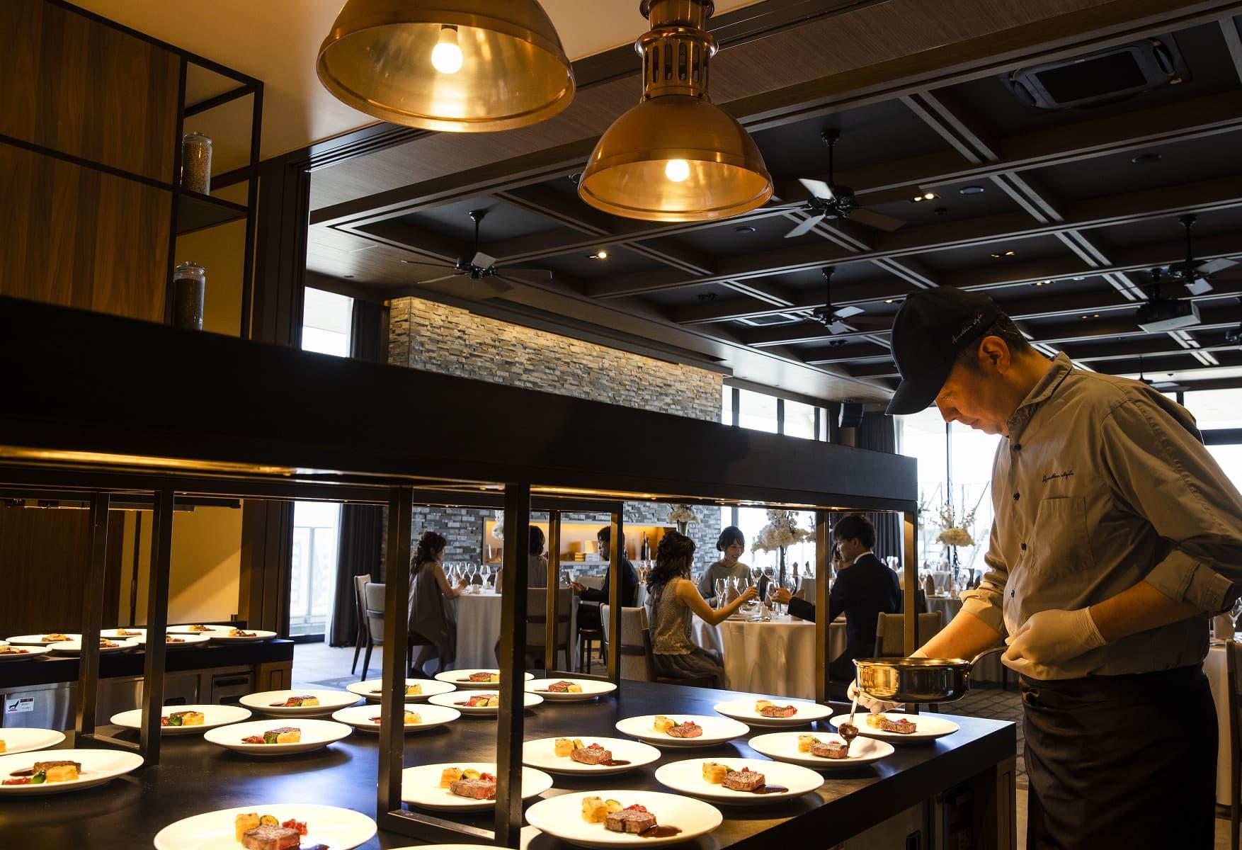 香川県高松市の結婚式場アナザースタイルの披露宴会場のオープンキッチン